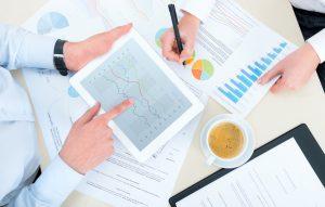 שיפור ביצועים לעסקים בינוניים באמצעות גוגל אנליטיקס